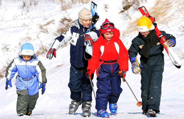 Во-первых, финская детская одежда, и особенно финская зимняя детская одежда, всегда отличалась очень высоким